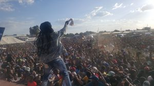 Youths in Epworth pledge to shun political violence ……as hundreds register to vote.